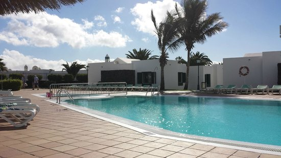 Costa Sal Villas and Suites: Lower Pool -