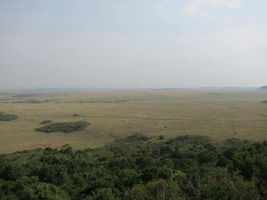 Mara Serena Safari Lodge: Commanding view of Masai Mara from main lodge