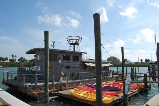 Clearwater Marine Aquarium : Houseboat from the movie