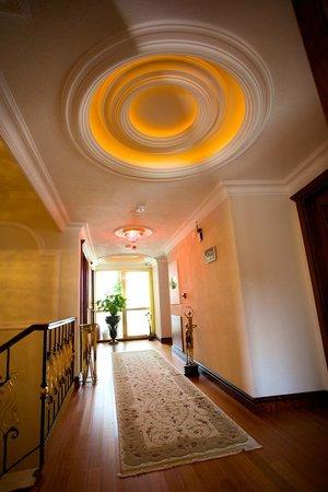 Arden City Hotel: Corridor
