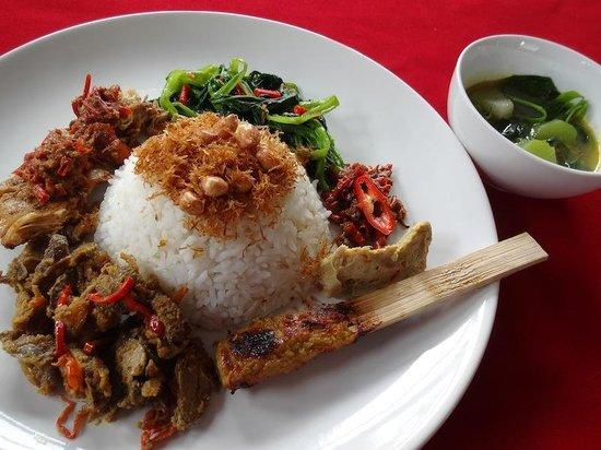 Warung Ninik Pedes: Mixed rice