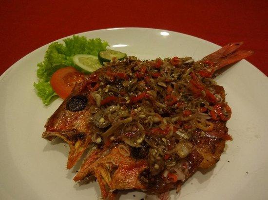 Warung Ninik Pedes: Fried fish