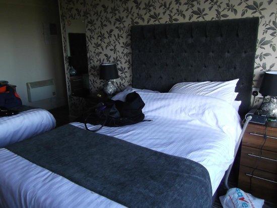 Savoy Hotel: Bedroom