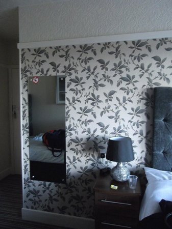 Savoy Hotel : Bedroom