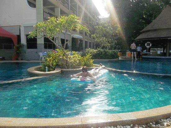 Peach Hill Hotel & Resort: mango pool