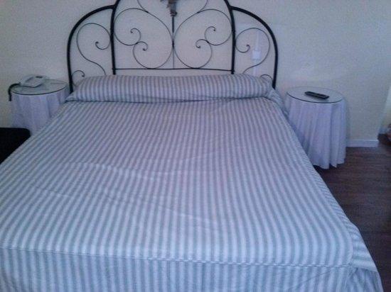 Estudios Aranzazu: una cama grande con buen colchon y te dejan mas mantas