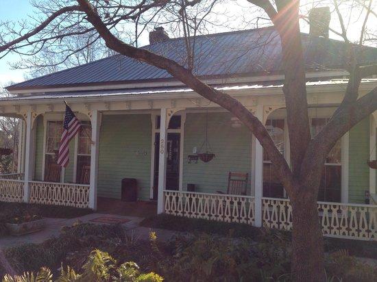 Brady Inn : Front of the Inn