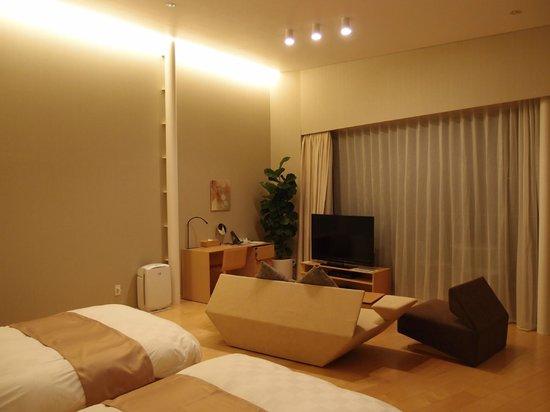 Garden Terrace Nagasaki Hotels & Resorts: 大きな窓を開けると、長崎の町が見えます