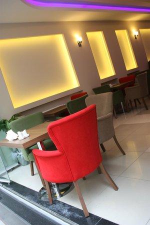 Istanbul Central Hotel: lobby /* cafe