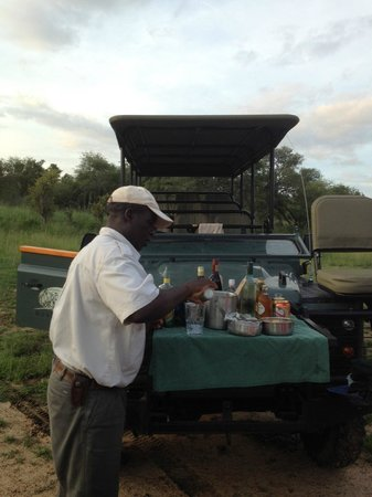 Honeyguide Tented Safari Camps : Sundowner