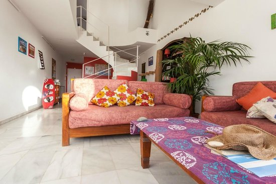 Casa Carmen: Common areas of surf house