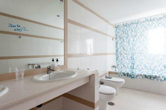 Casa Carmen: Each bedroom has its own bathroom