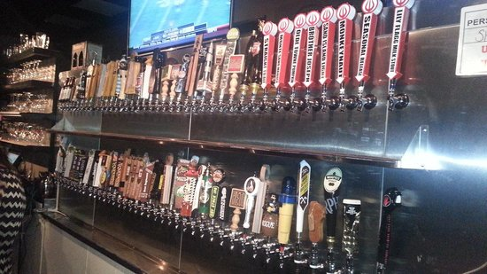 The Huntsville Brewery: Taps galore!