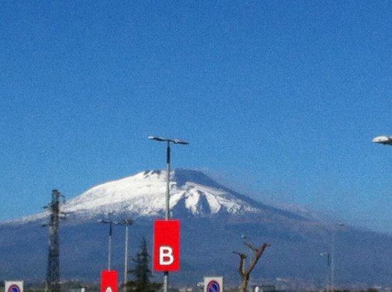 Mount Etna: Da lontano