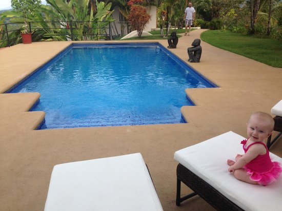 Alma de Ojochal: Poolside