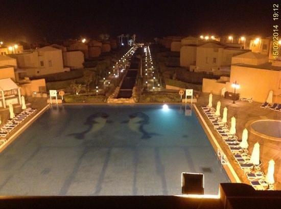 Cancun Sokhna Beach Resort Managed by Accorhotels: @ night