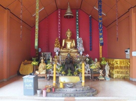 Sop Ruak - the center of the Golden Triangle : petit temple
