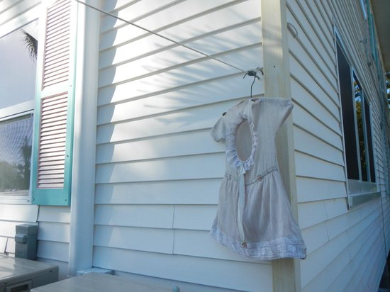 Gulf Breeze Cottages : Pegs for clothes line are in this cute dress-bag