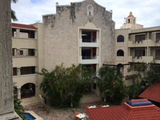 Adhara Hacienda Cancun: view of old part of hotel