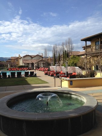 The Lodge at Sonoma Renaissance Resort & Spa: Pool, Hot Tub and Grounds