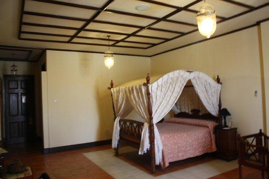 Grand Oriental Hotel : La chambre