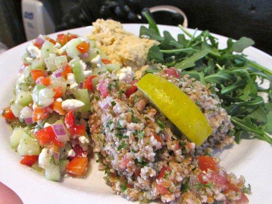 Blu' Island Bistro: Med Platter...house made hummus, tabboleh, cucucumber salad, warm pita
