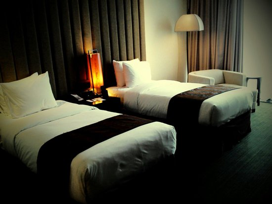 Crowne Plaza Semarang: Simple modern room