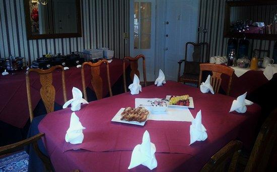 Spring Street Inn: Dining Room