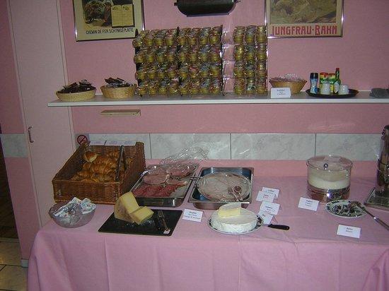 Hotel Roessli: Breakfast Layout