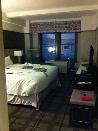 Park Central Hotel New York: CHAMBRE VUE COUR
