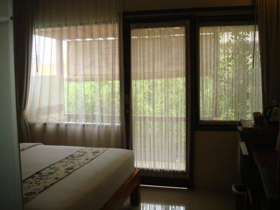 Arana Suite Hotel: Balcony