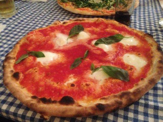 I Due Forni: Pizza Buffala