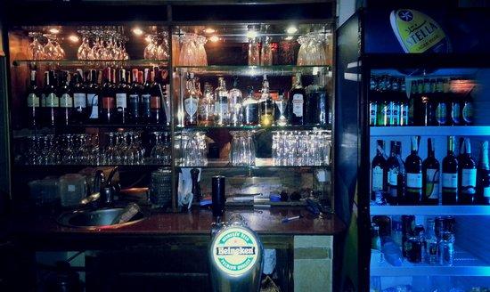 A Taste of India & International Restaurant Bar : Transformation Underway