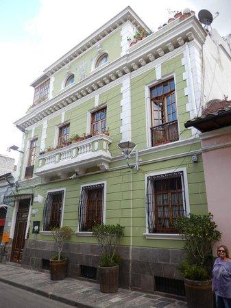Hotel Casa San Marcos: Street view of Casa San Marcos