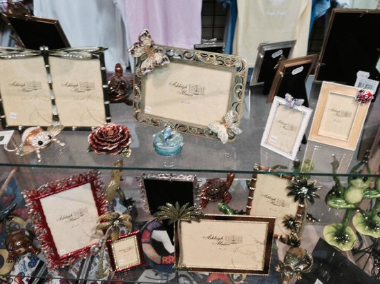 Keep In Touch: Picture Frames for that favorite person