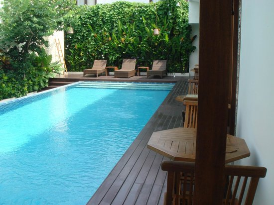 Arana Suite Hotel : Pool