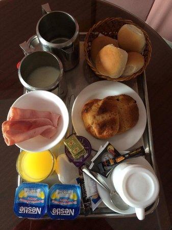 Apart Hotel Colon: Невкусный завтрак