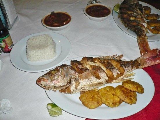 Tola, Nicaragua: Fried fish dinner
