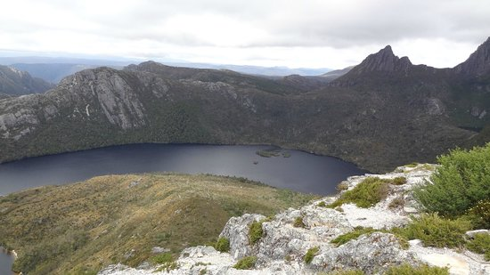Dove Lake Circuit: Lake from Marion's Lookout