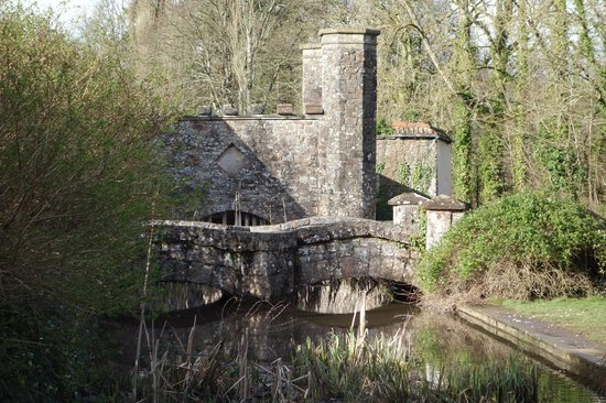 Bickleigh Castle: The moat