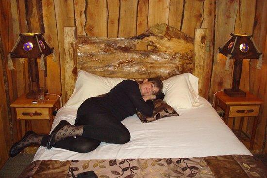 Cabañas Natural Park Lodge: Preciosa habitación estilo rústico