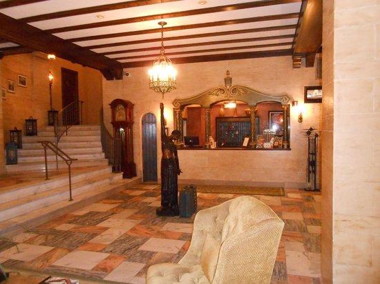 Hotel Baker: Lobby