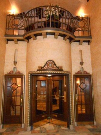 Hotel Baker: Foyer