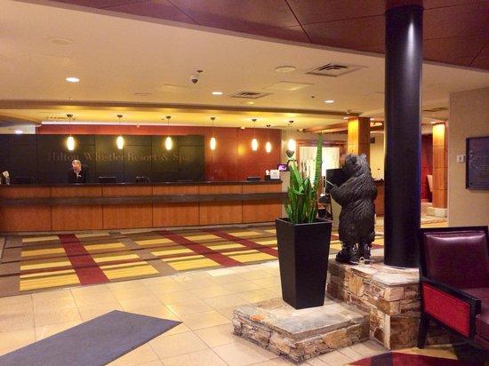 Hilton Whistler Resort & Spa : Spacious lobby