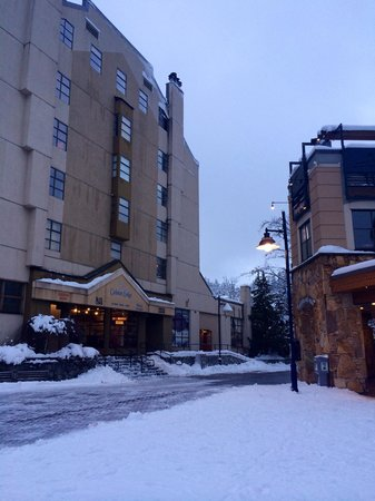 Hilton Whistler Resort & Spa: As soon as you walk out the hotel, the lifts are on your right!