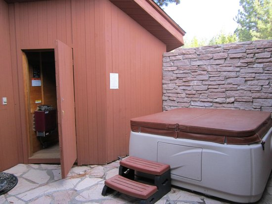 Clio, CA: Hot Tub/Sauna