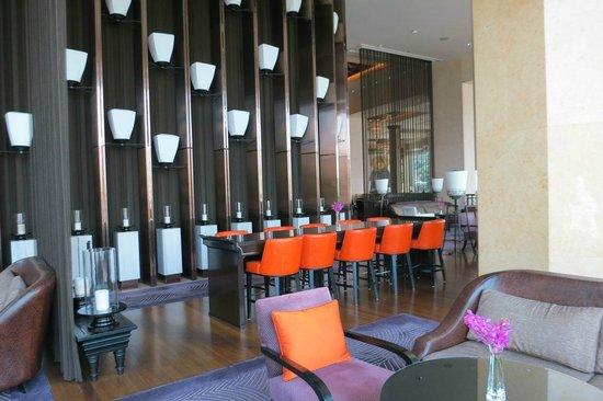 Shangri-La Hotel Bangkok : Bar