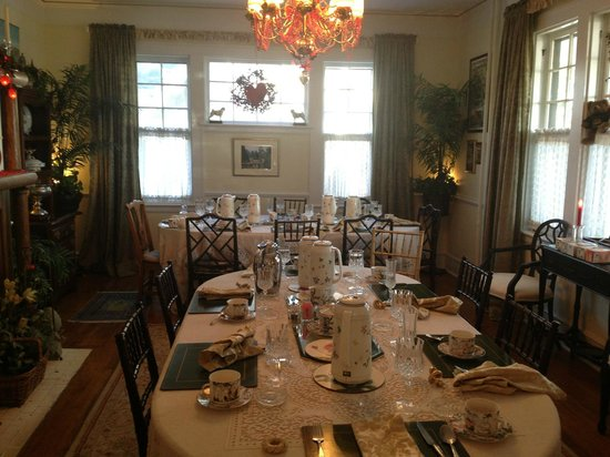Abbington Green Bed & Breakfast Inn and Spa: Dining room