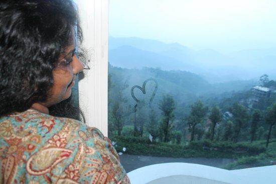 Misty Mountain Resort : hotel room-romantics view