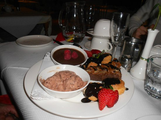 Gartmore House : A selection of puddings for every couple on Valentines Weekend